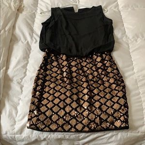 Short black and gold sequence dress size M